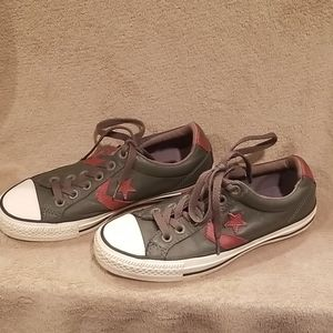 Converse Gray All Star with maroon sz 4